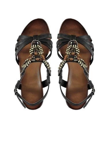 Marjin Dolgu Topuklu Sandalet Siyah
